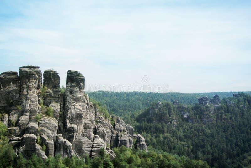 Bergen van Bastei, rotsenvorming in het Saksische Nationale Park van Zwitserland, Kurort Rathen royalty-vrije stock foto