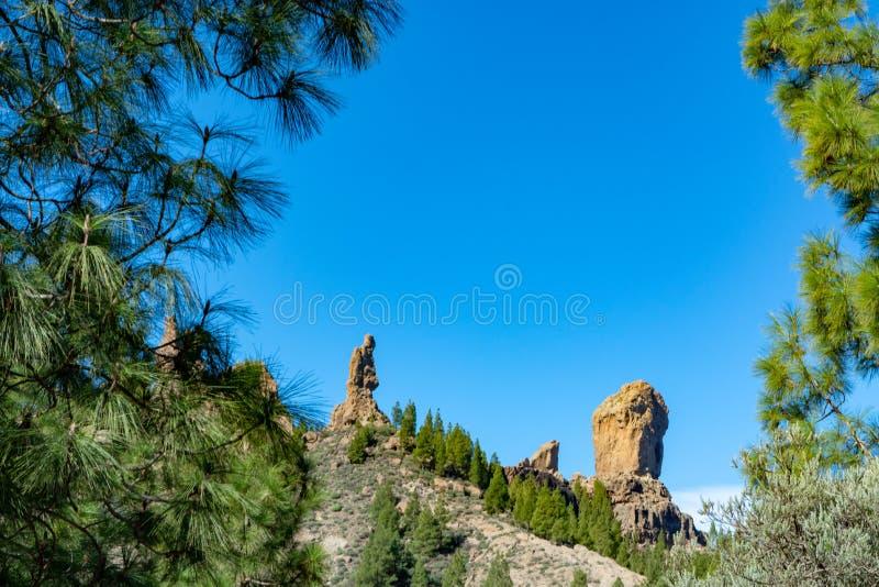 Bergenlandschap met Roque Nublo op Gran Canaria-eiland, Kanarie, Spanje royalty-vrije stock afbeelding