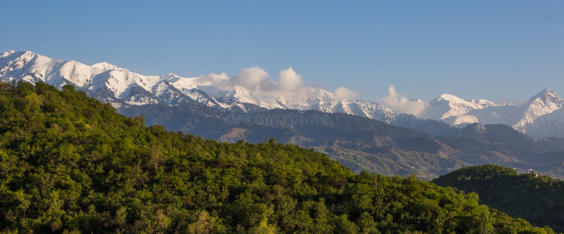 Bergenlandschap, Tien-Shan Mountains, Alma Ata, Kazachstan royalty-vrije stock afbeelding