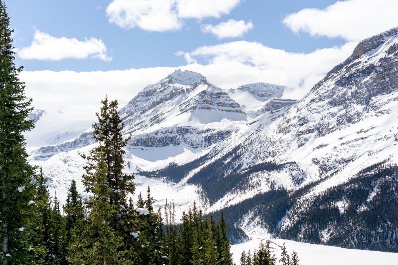 Berget förbiser 2 fotografering för bildbyråer