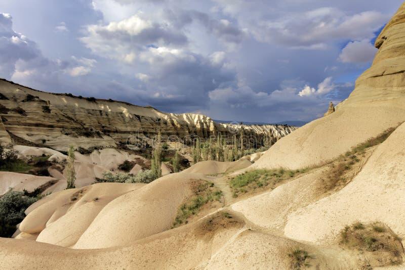 Berghoning en Rode valleien in Cappadocia royalty-vrije stock afbeelding