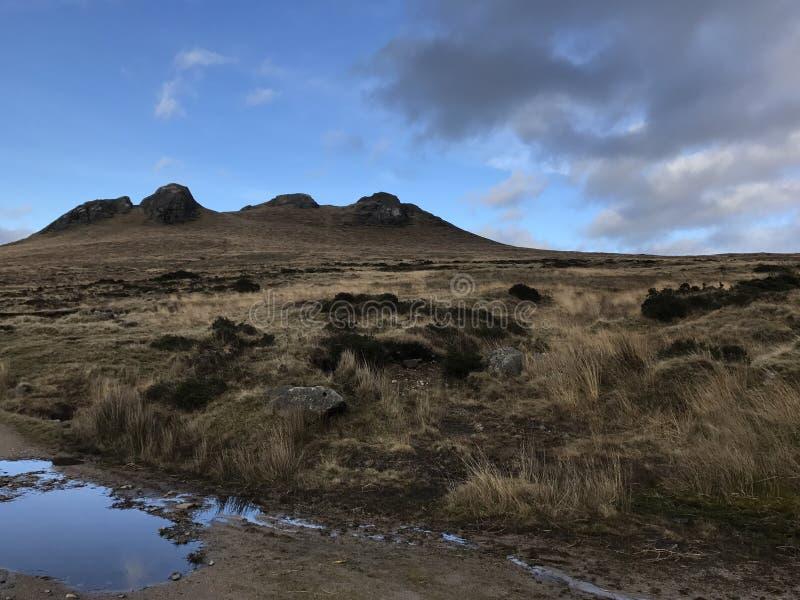 Bergigt landskap i nordligt - Irland royaltyfria foton