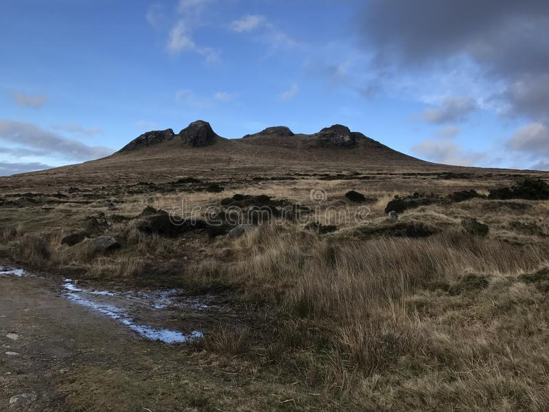 Bergigt landskap i nordligt - Irland royaltyfri bild