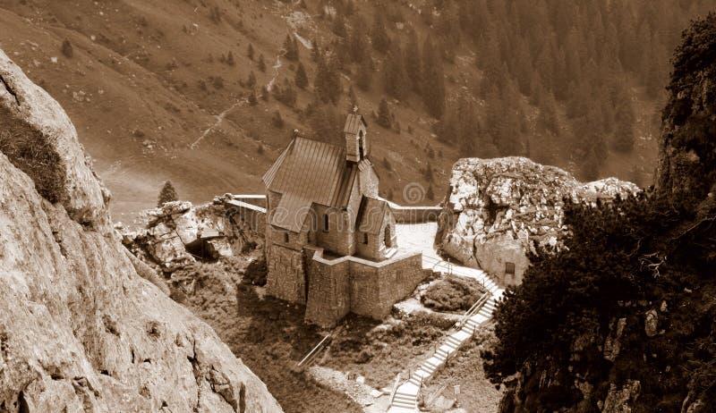Bergkerk royalty-vrije stock foto's