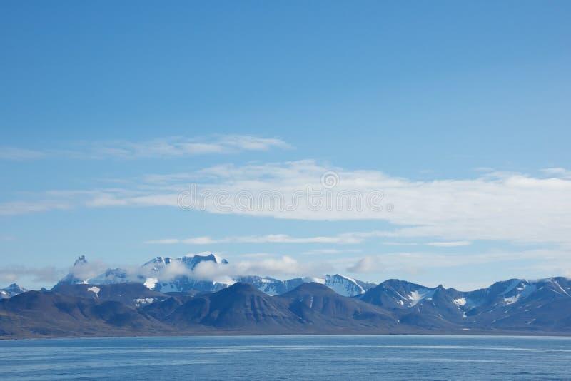Bergketen in Hornsund, Svalbard stock afbeelding