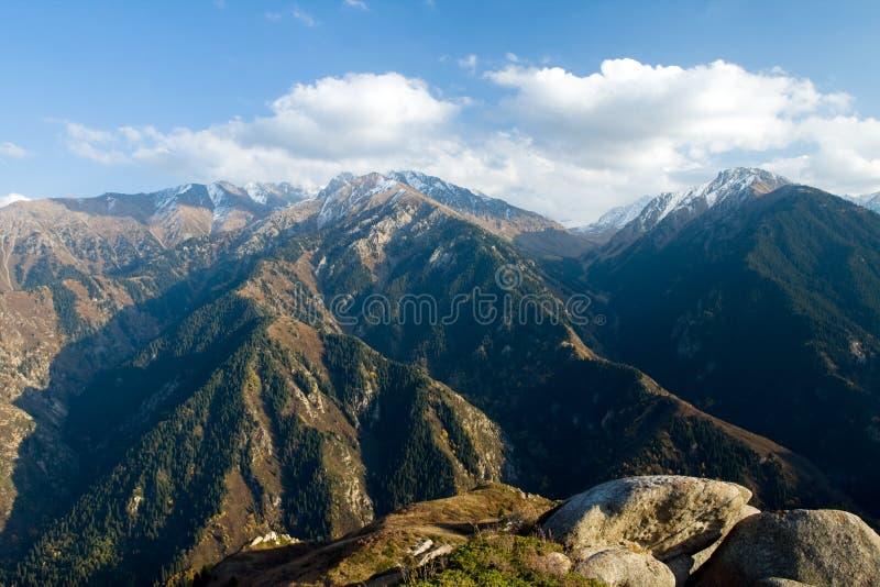 Bergketen in Nationaal Park in Kazachstan royalty-vrije stock fotografie
