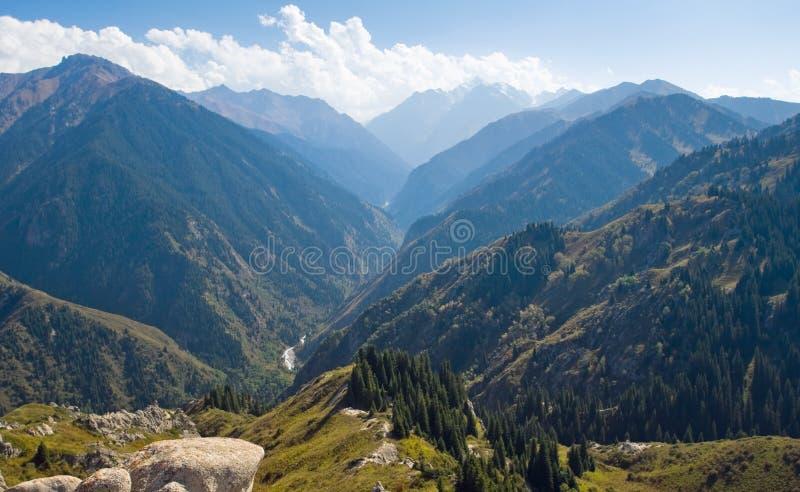 Bergketen in Nationaal Park in Kazachstan stock foto