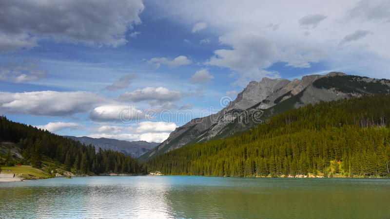 Bergketenlandschap, Rocky Mountains, Canada stock foto