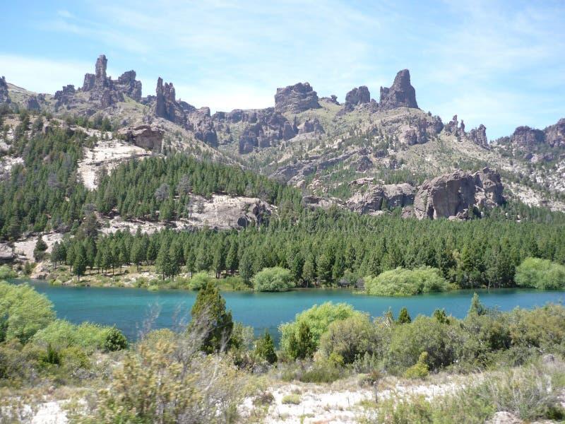Bergkorsning i Bariloche royaltyfria foton