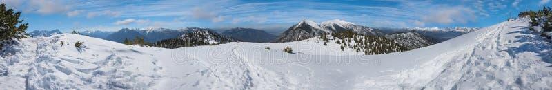 Bergkruis op wank, garmisch gebied, hoger Beieren royalty-vrije stock foto