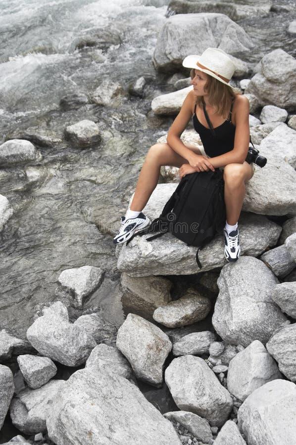 bergkvinna arkivfoto