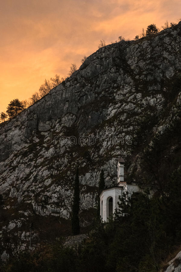Bergkyrka royaltyfri bild
