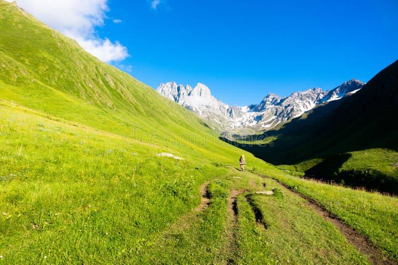 Berglandschaft der Spitzen von Chauchi lizenzfreie stockfotos