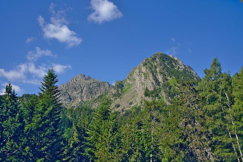 Berglandschaft im Park von Aiguestortes lizenzfreie stockfotos