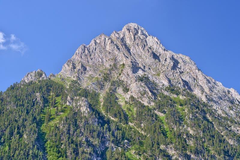 Berglandschaft im Park von Aiguestortes lizenzfreies stockbild