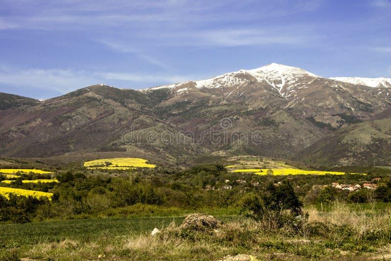 Berglandschap en vallei royalty-vrije stock afbeeldingen