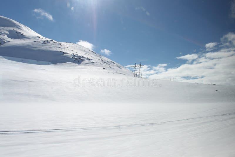 Berglandschap met sneeuw stock foto