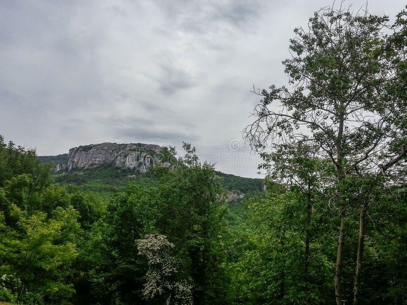 Berglandschap op het Schiereiland van de Krim stock fotografie