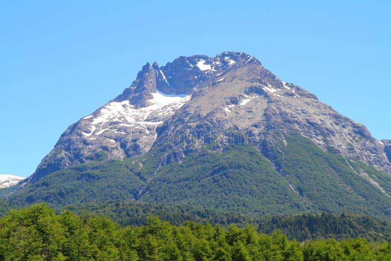 Berglandschap op Mascardi-Meer - Patagonië royalty-vrije stock afbeeldingen