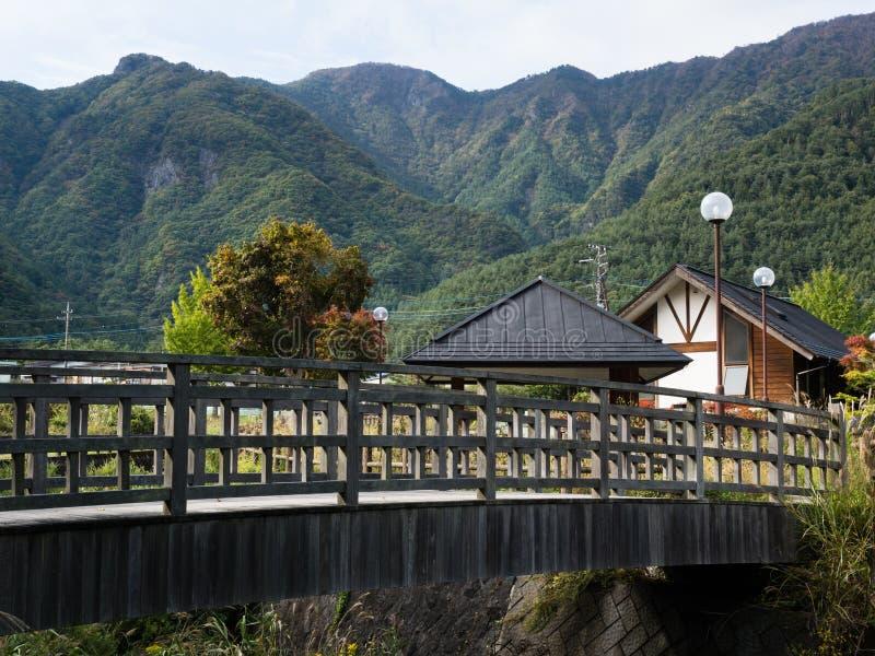 Berglandschap rond Meer Saiko - Fuji Vijf Meren, Japan stock afbeeldingen