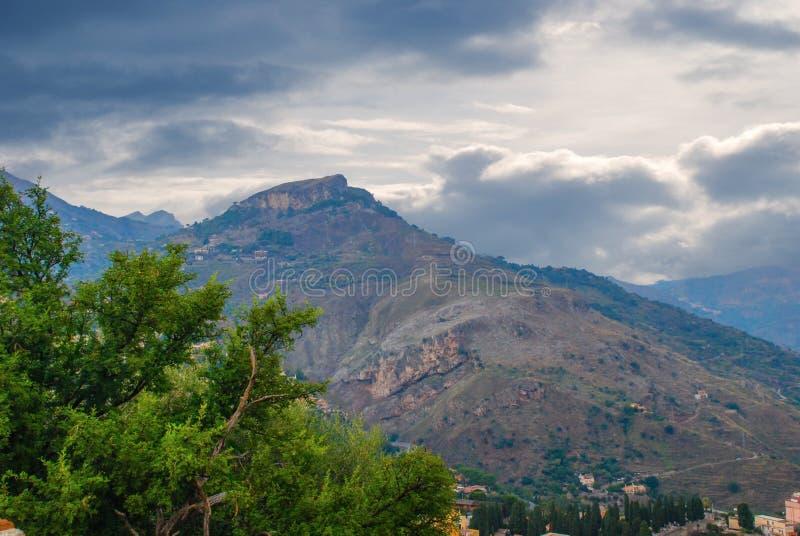 Berglandschap van Sicilië, Italië stock afbeelding