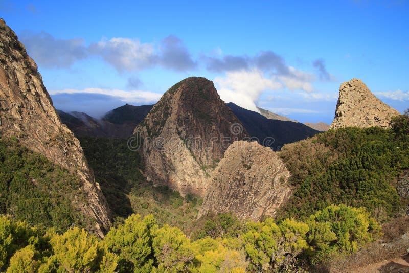 Berglandskap av ön av La Gomera kanariefågelöar tenerife spain arkivfoto