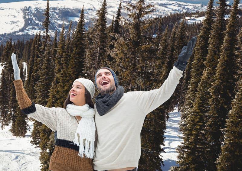 berglopp, par i snön arkivbild