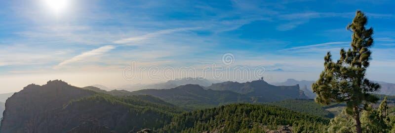 Bergområde, sikt från Pico de las Nieves, Gran Canaria, Spanien royaltyfria foton