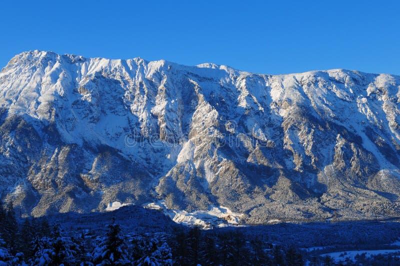 Bergpanorama in Sautens, Ã-tztal, Tirol lizenzfreie stockfotos