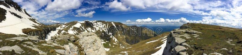 Bergpanorama von Bucegi lizenzfreie stockfotografie