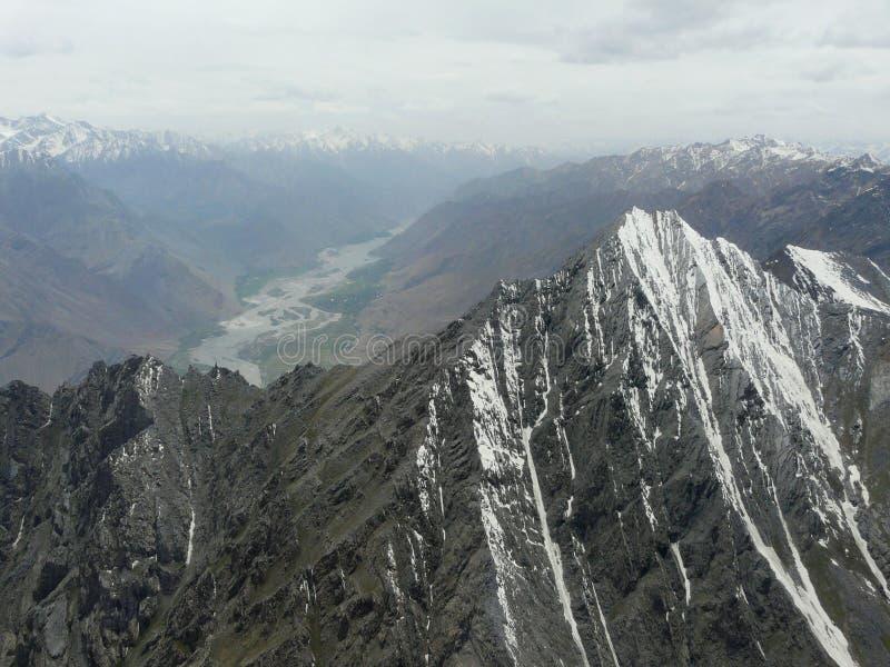 Bergpieken van Pamirs royalty-vrije stock fotografie
