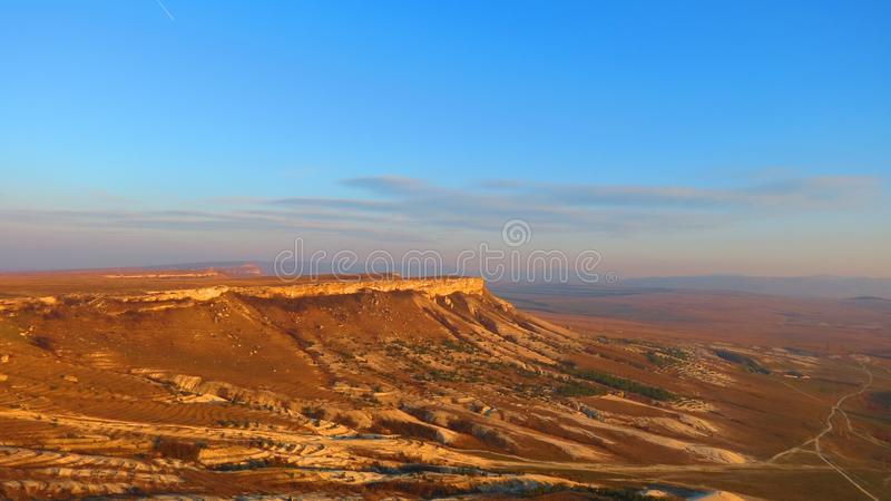 Bergplateau in woestijn royalty-vrije stock foto's