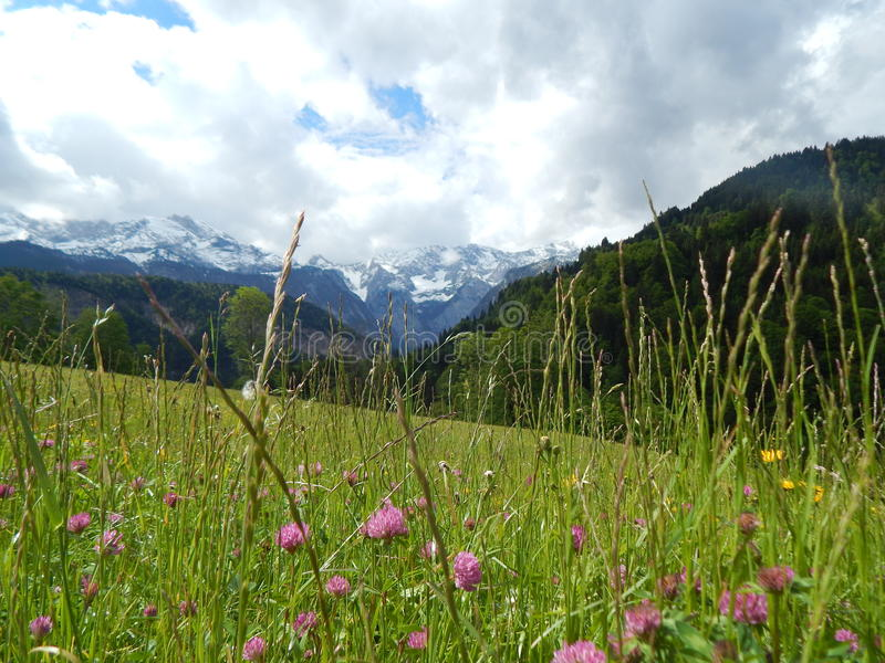 Bergscène in Garmisch, Duitsland royalty-vrije stock fotografie