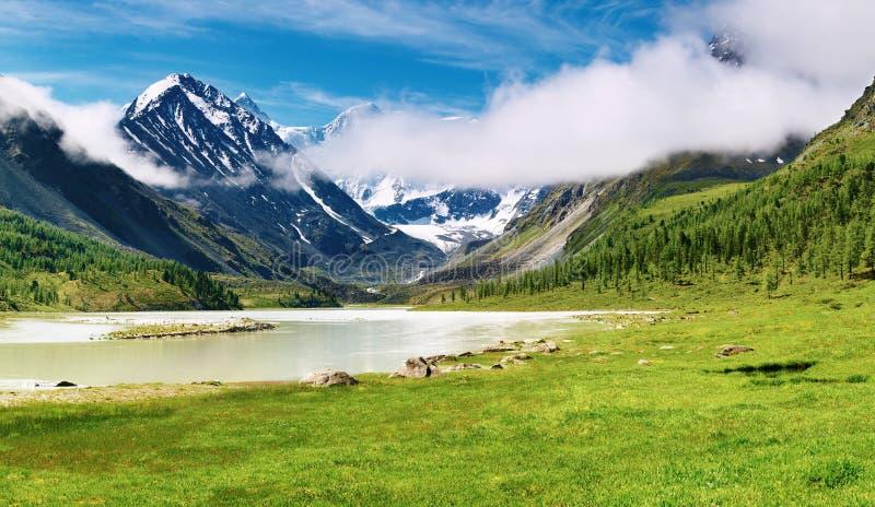 Bergslandskap arkivbilder