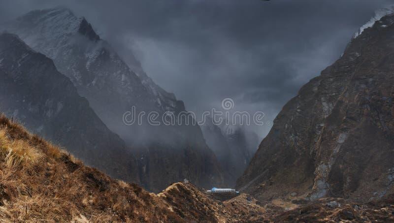 Bergslandskap, Nepal royaltyfri bild