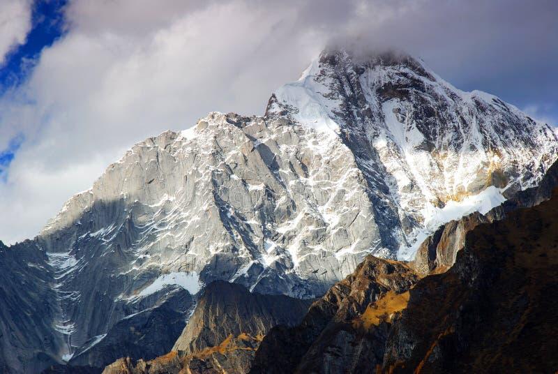 bergsnow arkivfoto