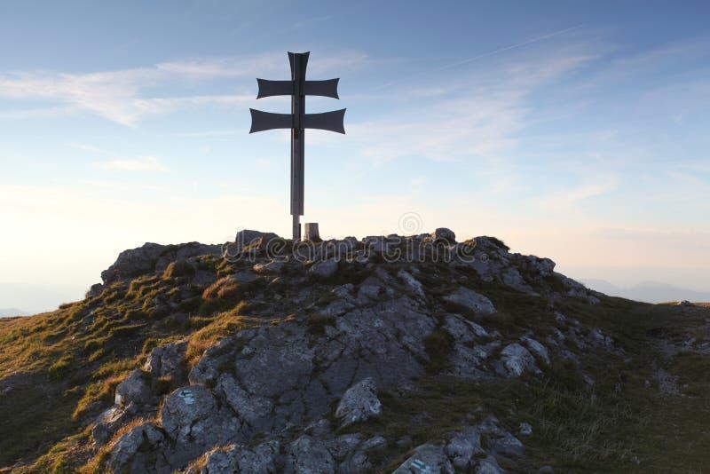 bergsolnedgång fotografering för bildbyråer
