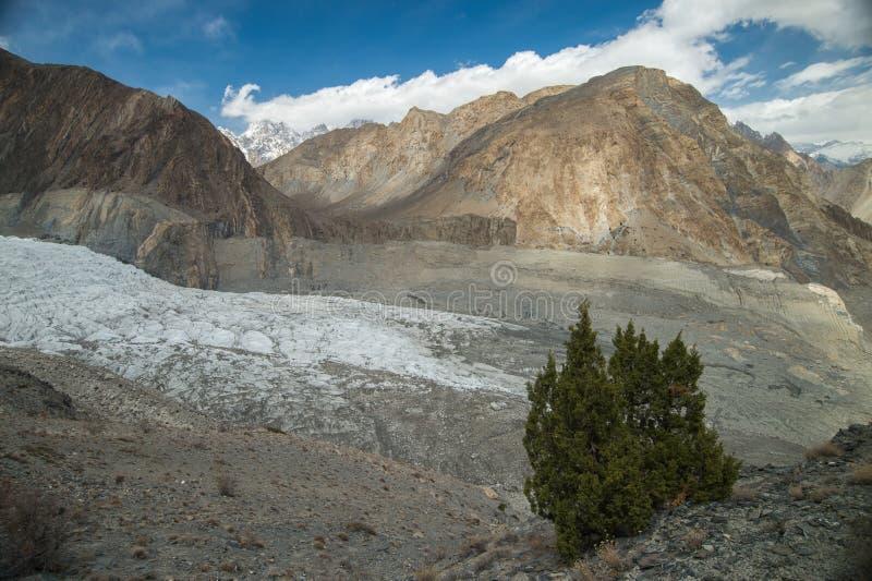 Bergspitze auf dem Weg zu passu Gletscher, Hunza-Tal, Norther stockbilder