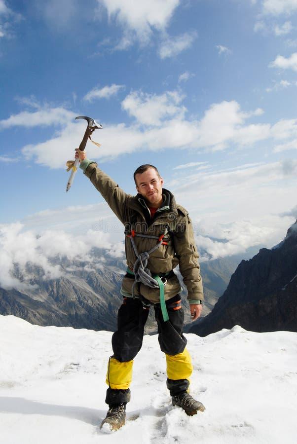 Bergsteiger an der Oberseite lizenzfreie stockbilder