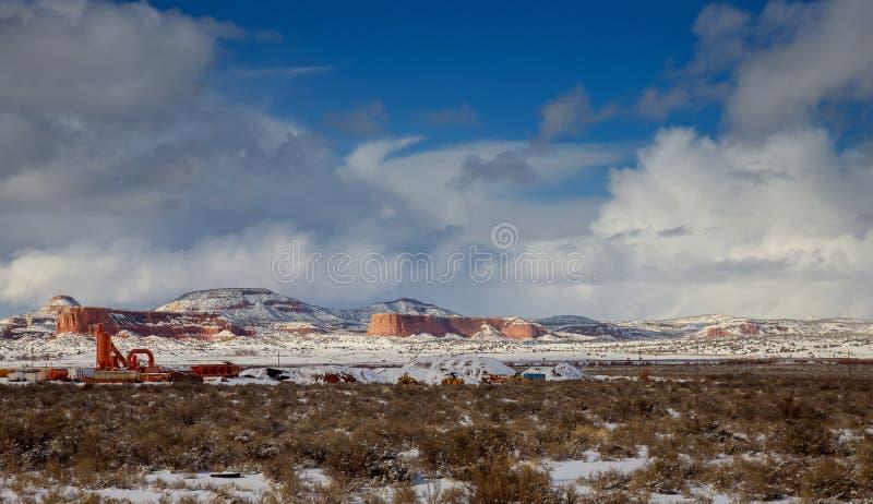 Bergterrein in New Mexico met vers gevallen sneeuw, de V.S. stock foto's