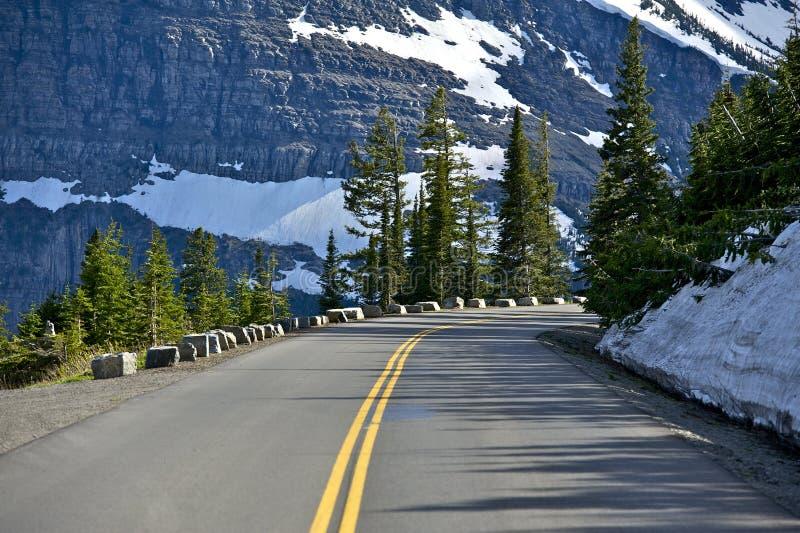Bergväg royaltyfria foton