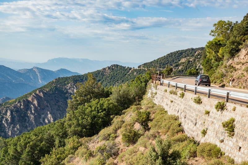 Bergväg, Strada Statale 125 Orientale Sarda, landskap av Ogliastra, Sardinia, Italien arkivbild