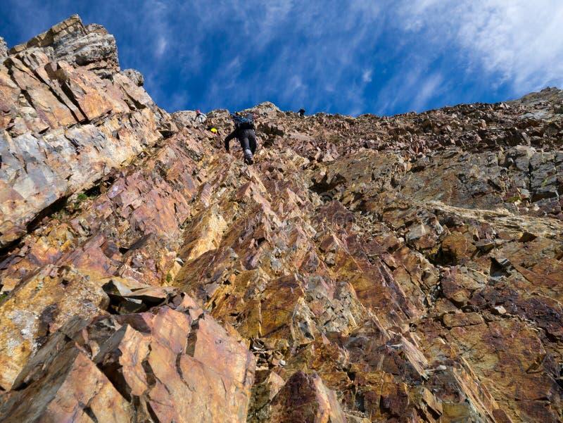 Bergvägg med moment arkivfoton