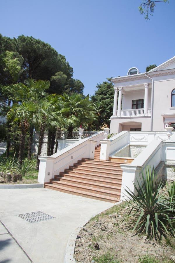 Bergvilla royalty-vrije stock afbeeldingen