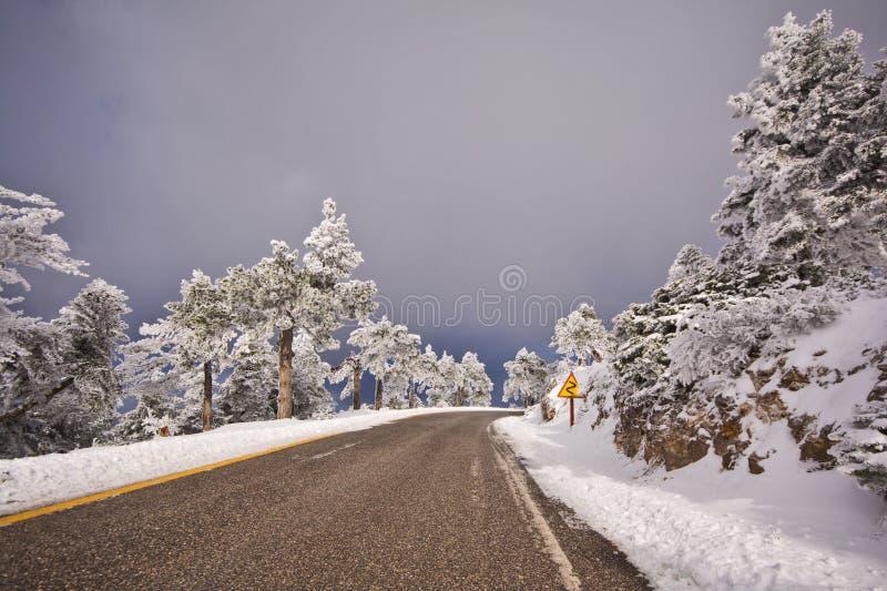 Bergweg in Griekenland royalty-vrije stock foto's