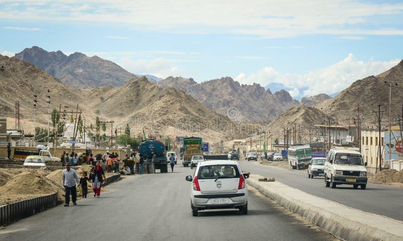Bergweg in Ladakh, India royalty-vrije stock foto