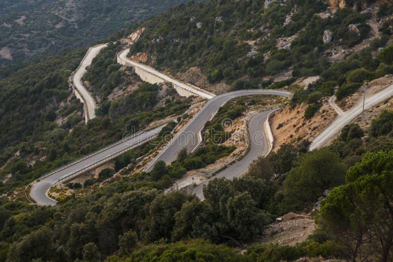 Bergweg op het Eiland Sardinige royalty-vrije stock afbeelding