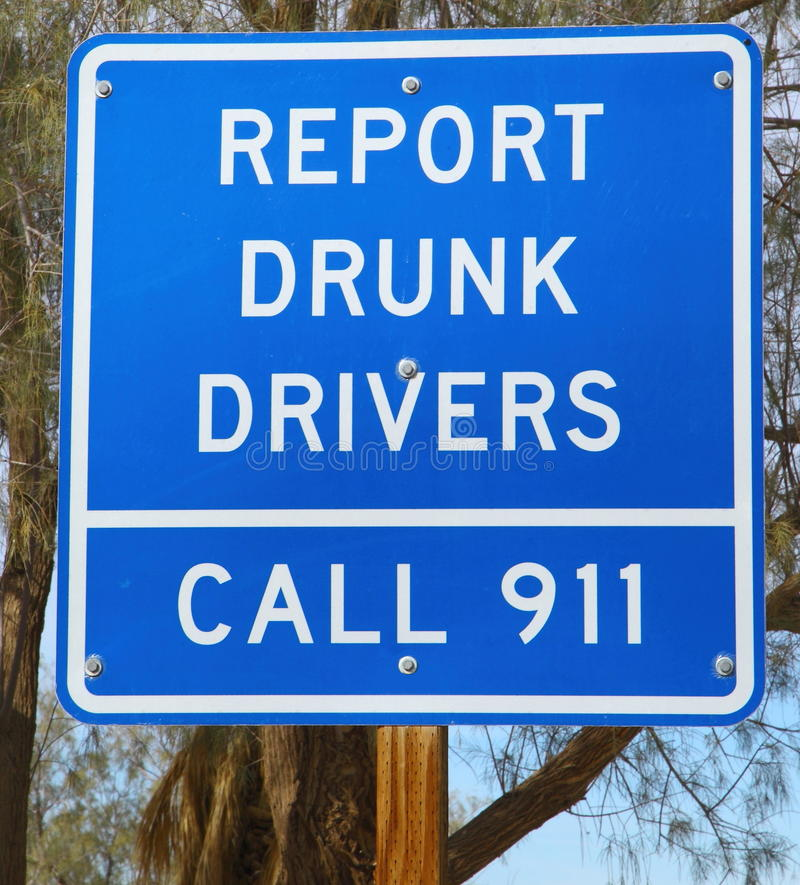Berichten Sie über betrunkenen Treibern Zeichen lizenzfreies stockbild