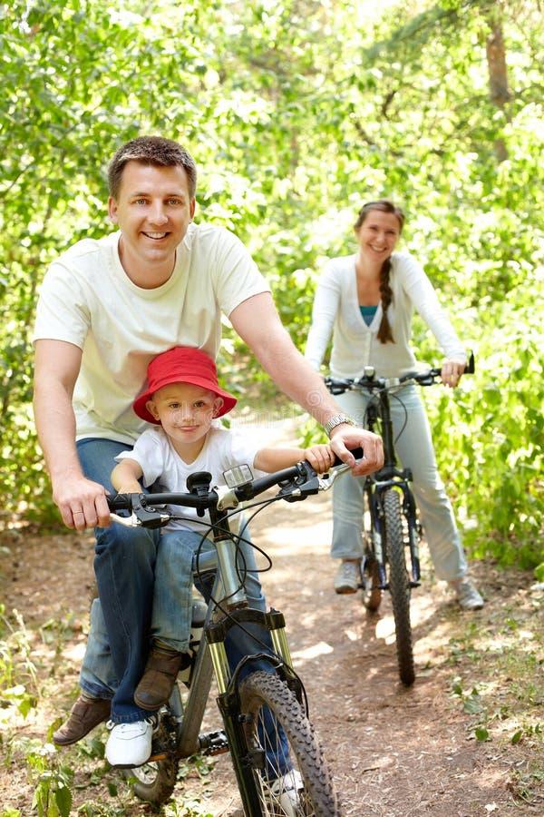 Berijdende fietsen royalty-vrije stock foto's