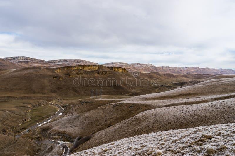 Berijpt berglandschap stock foto's